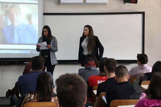 Acadêmicos do curso de Direito debatem sobre Correntes do Pensamento Jurídico