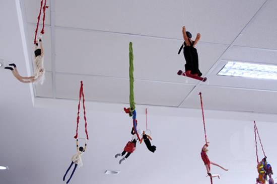 A magia do circo em exposição na UNIFAAT