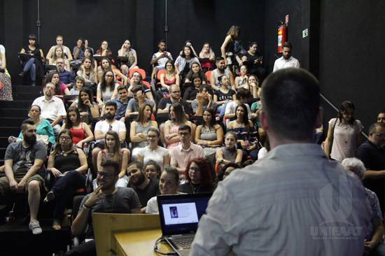 IV Semana de Design de Interiores da FAAT recebeu apresentadores do Programa
