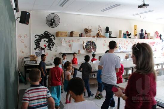 UNIFAAT recebe alunos da Escola Municipal Educador Paulo Freire