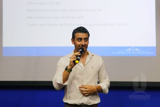 Palestra promovida pelo Núcleo de Pós-graduação da UNIFAAT tratou sobre a excelência na prestação de serviços e atendimento