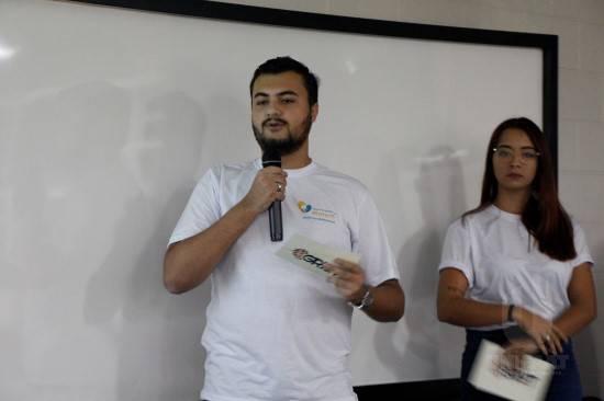 Alunos de Publicidade e Propaganda apresentam campanhas para a inauguração do Banco de Leite em Atibaia.