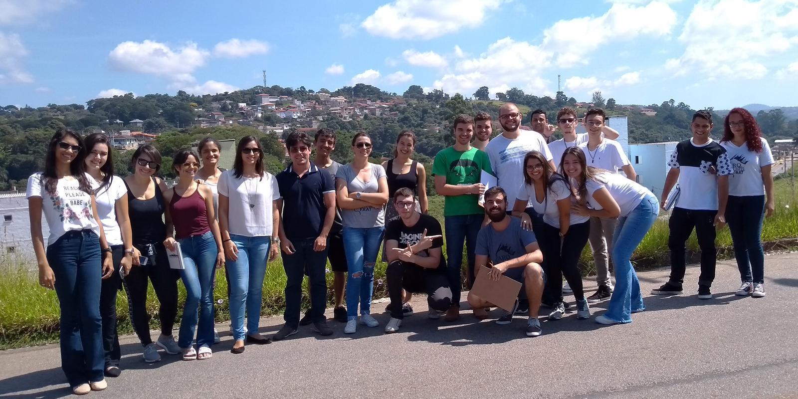 Alunos de Arquitetura e Urbanismo realizam visita técnica no loteamento Nova Cerejeiras