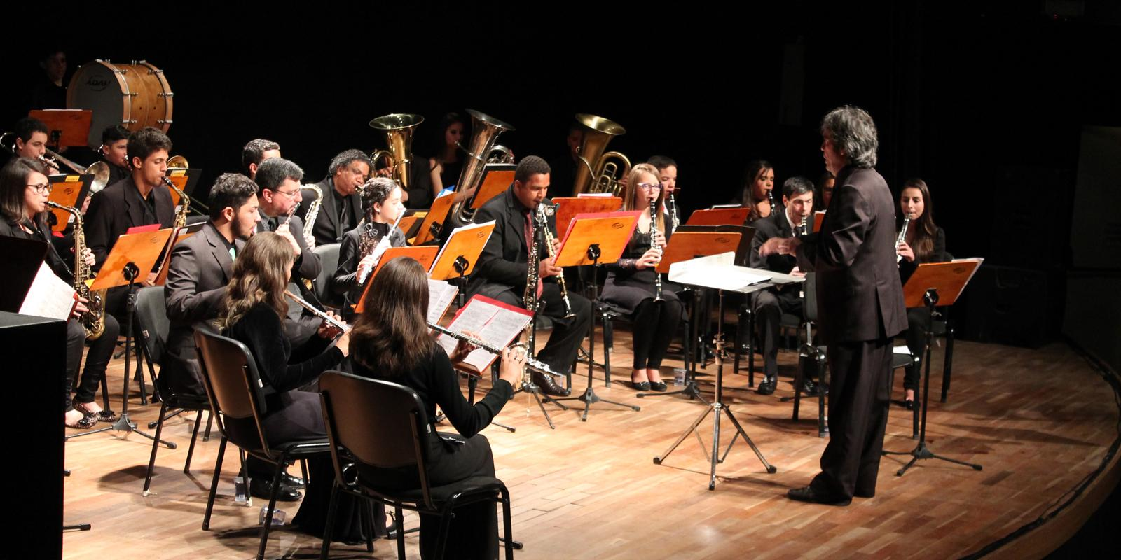 Banda Sinfônica Primeiro Movimento se apresenta no Festival de Inverno de Atibaia