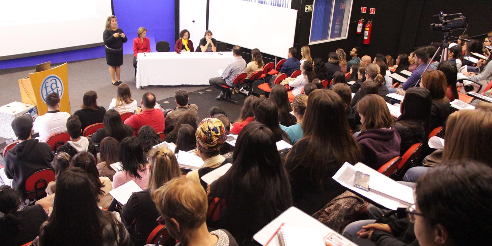 Curso de Psicologia promove Semana da Luta Antimanicomial
