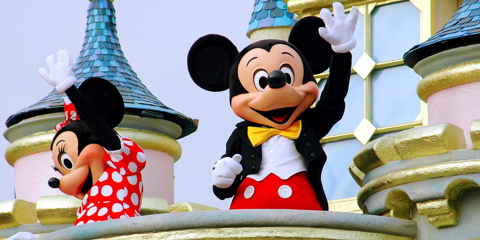"""Núcleo de Pós-graduação e Extensão da UNIFAAT promove palestra """"A conquista da excelência: o case Disney"""""""