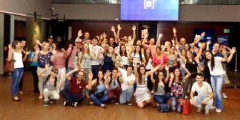 Estudantes dos cursos de negócios da FAAT visitam Bolsa de Valores