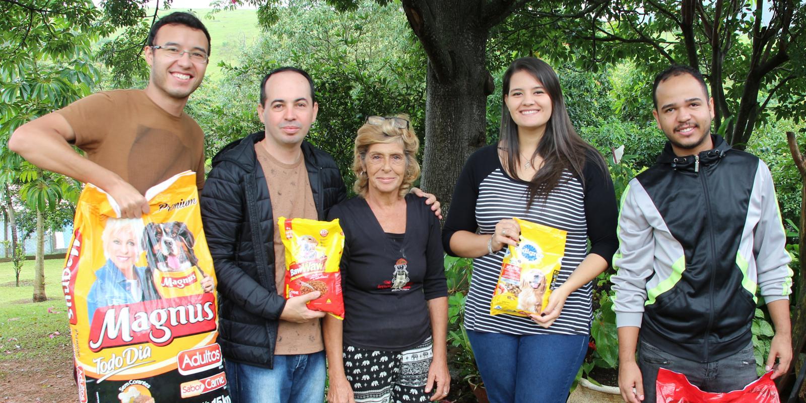 UNIFAAT faz entrega das rações arrecadadas no Trote Solidário 2019