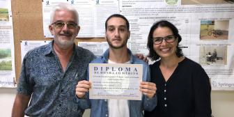 Formando em Gestão Ambiental recebe diploma de honra ao mérito do Conselho Regional de Química