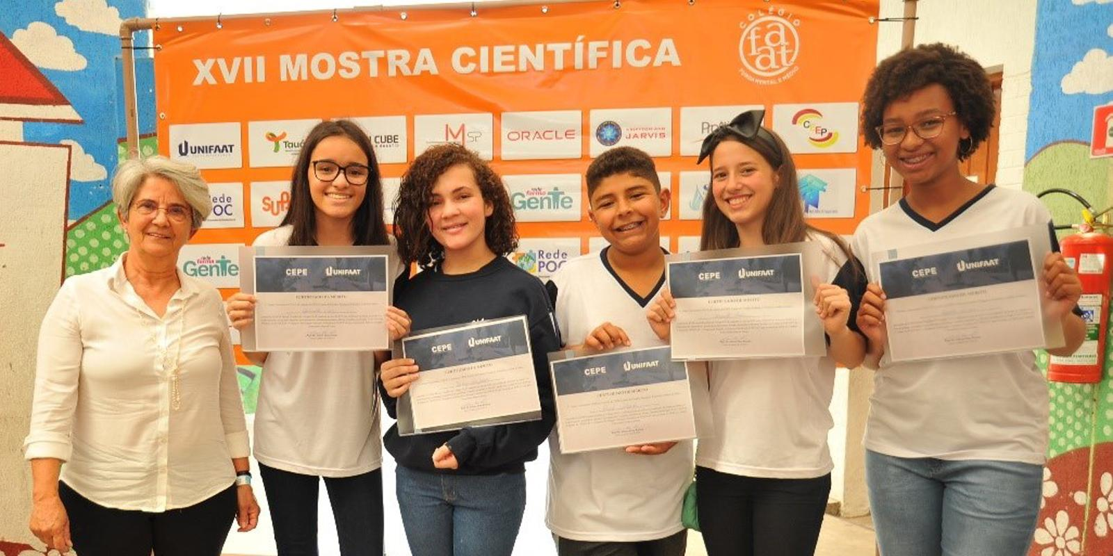 Alunos se destacam na 17ª Mostra Científica do Colégio FAAT