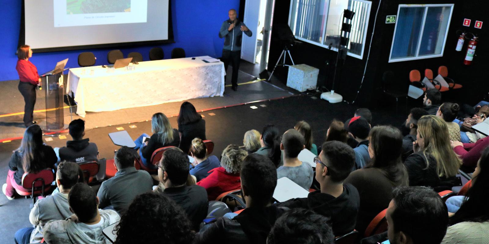 SOAE recebe palestrante da Empresa Pilão Professional