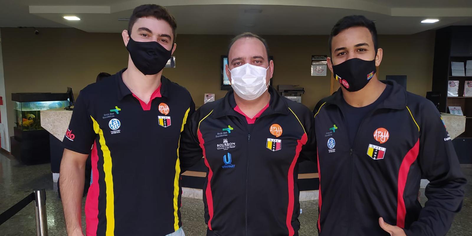 Judocas atibaienses se apresentam em Pindamonhangaba para treinamento da Seleção Brasileira de Judô