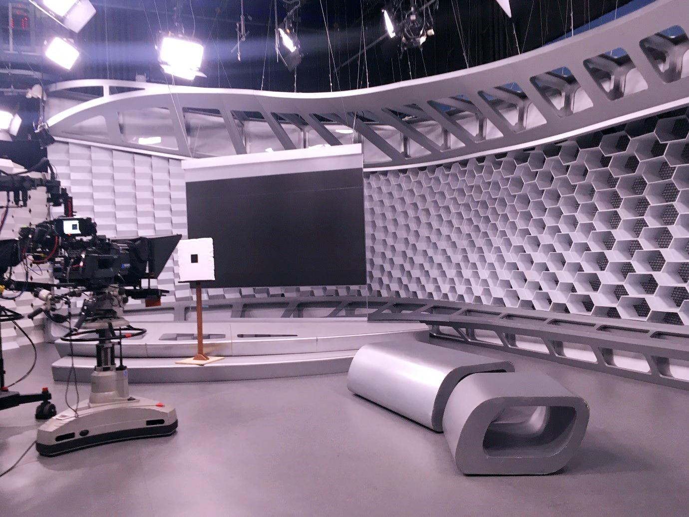 Alunos de Jornalismo visitam os estúdios da Rede Globo