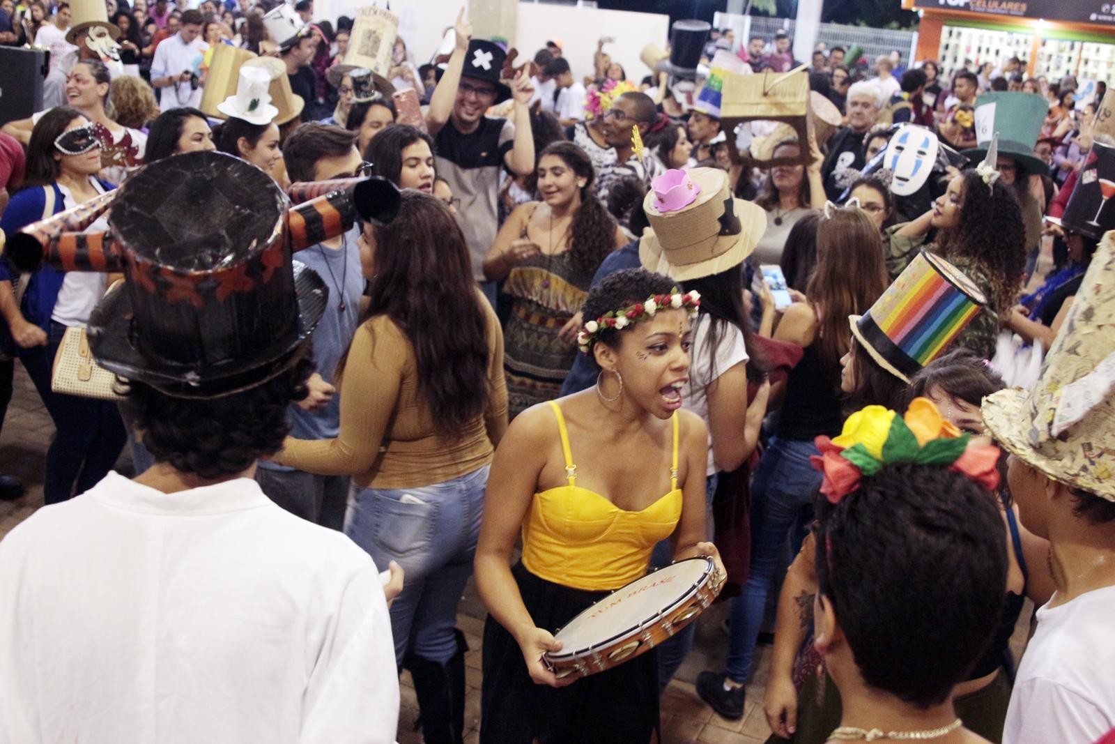 Bloco do Cartola da FAAT vai agitar as ruas de Atibaia