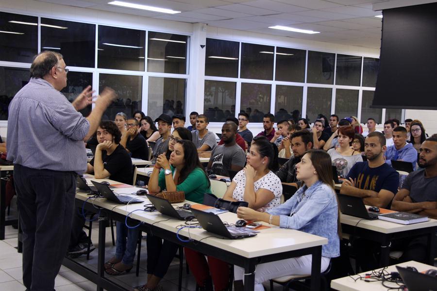 Contador é um dos profissionais mais procurados pelo mercado de trabalho