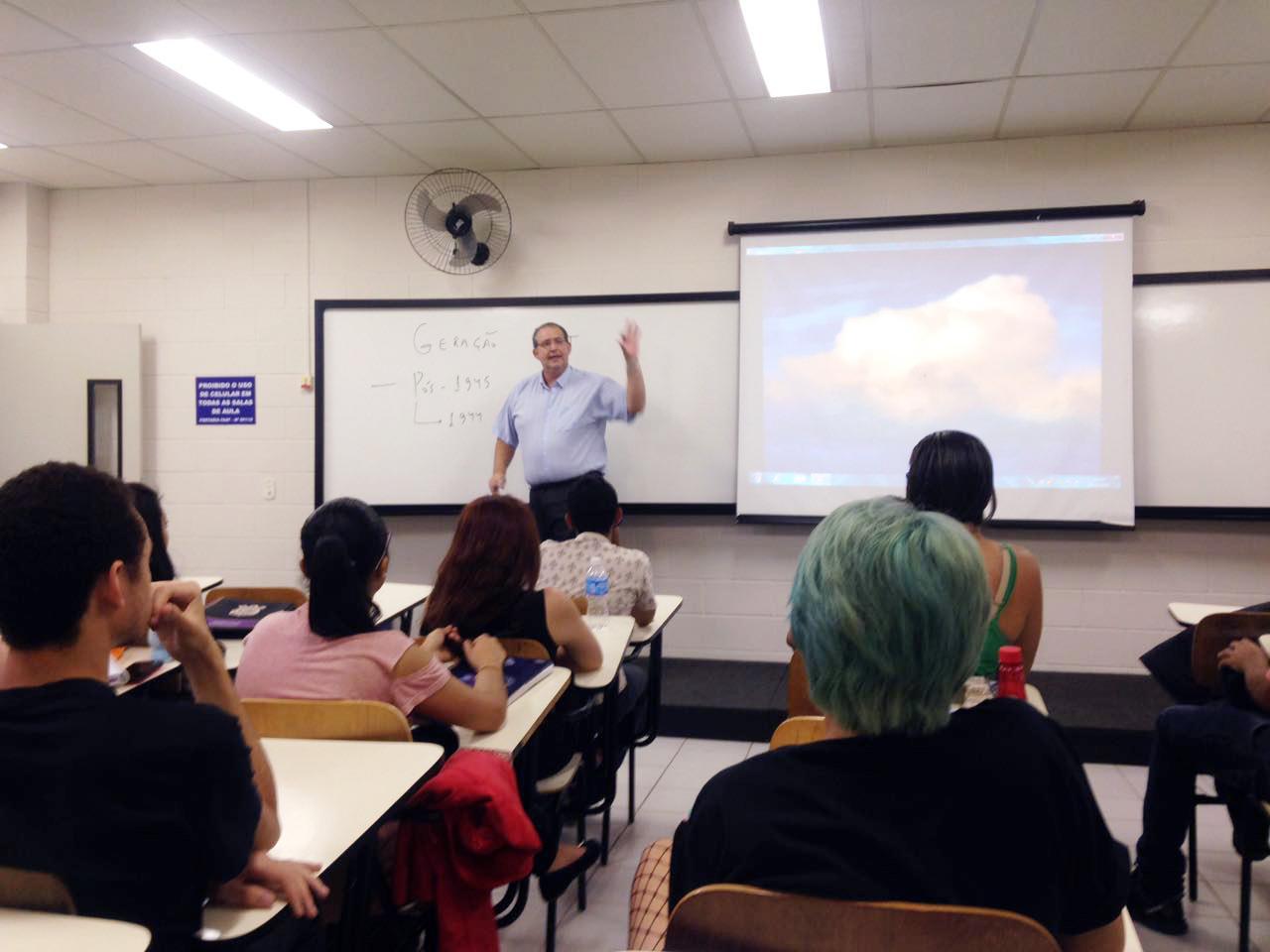 """""""A Geração Beat"""" foi tema de palestra para alunos de Letras"""