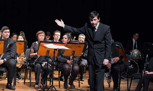 Banda Sinfônica Primeiro Movimento - UNIFAAT se apresenta no Festival de Inverno de Atibaia