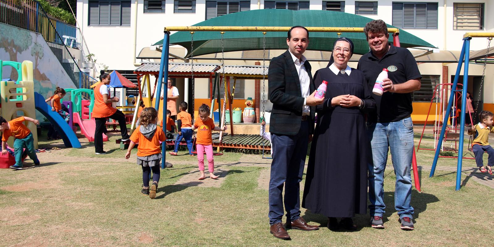 UNIFAAT e Estação Atibaia realizam entrega de donativos à Creche Raio de Sol