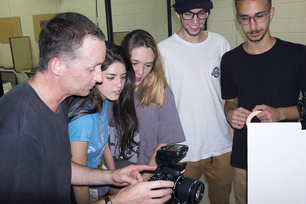 Curso de Publicidade e Propaganda ganha estúdio de foto digital