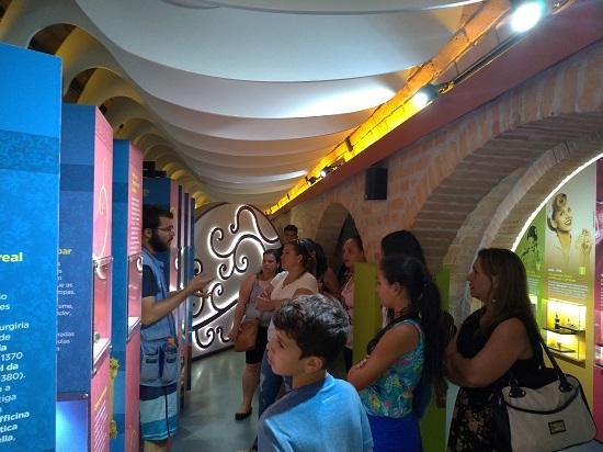 Grupo de Estudo – Colaboradoras UNIFAAT visita o Museu Catavento