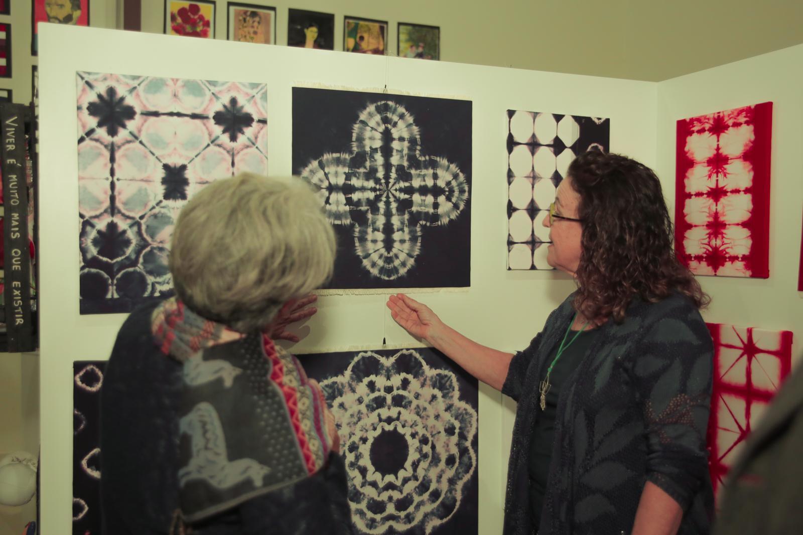 7ª Mostra dos trabalhos dos alunos dos cursos de Artes Visuais e Design de Interiores reúne criatividade e expressão