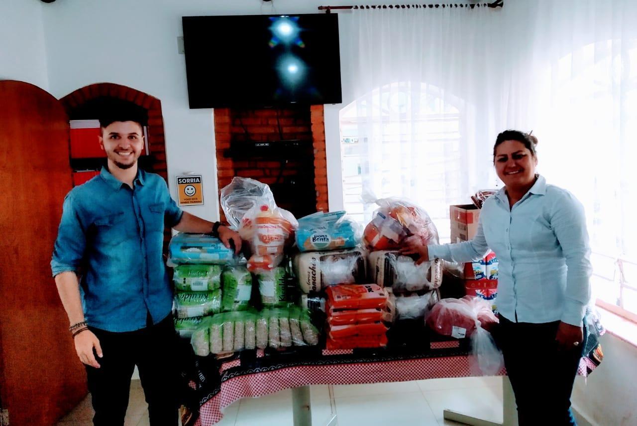 UNIFAAT realiza entrega de alimentos para a entidade Casulo